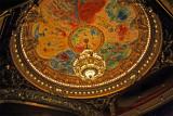 Le plafond de la salle de spectacle peint par Marc Chagall