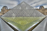 Reflection - La pyramide Louvre - Paris (66-1) (HDR)