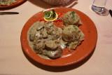 Svinjski medaljoni z jurcki in prazenim krompirjem: Pork medallions with boletus mushrooms and roasted potatoes
