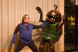 Mr. Incredible Punches The Alien Bugmonster