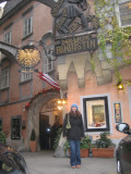 Luciano Pavarotti ate here