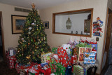 The tree and presents