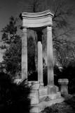Pillars BW