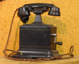 Old Telephone 8669