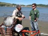 Rodgrigo talks to the guide
