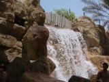 Air terjun buatan di Wild Wadi