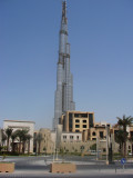 Souq Al Bahar dgn latar blkg Burj Dubai 200 lantai