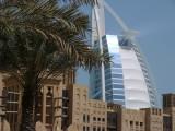 Burj Al Arab di belakang Madinat