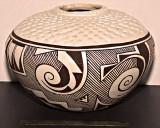 Acoma Tularosa Style Pot (Juana Leno)