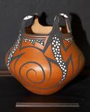 Zuni Lizzard Effigy Pot (Peynetsa)
