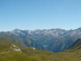 blik richting noordoosten op Lago di Luzzone