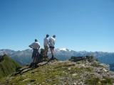 op de Pizzo di Cadrèigh met zicht naar zuidoosten (achtergond de hoogste berg van Ticino: Adula/Rheinwaldhorn 3402 m)