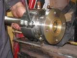 Tightening the split coupling bolts