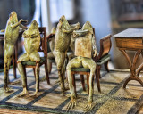 Don't tell me you had never seen a Barber's shop for frogs!