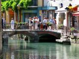 sur le pont ....d'Annecy
