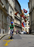 le cycliste de la vieille cité