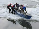 Volvo sur une plaque de glace
