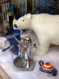 Ours polaire dans la vitrine