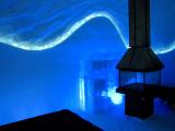 Foyer  sur fond bleu
