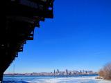 Montréal au loin