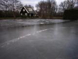 015 - dat witte spul daar is géén ijs!