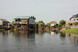 Kampong Phluck, a floating village >>>