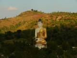 Large sitting buddha near Monywa.jpg