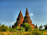 Two smaller stupas Bagan.jpg