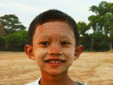 Thanaka paste boy Bagan.jpg