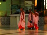 3 nuns Shwedagon.jpg