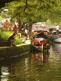 Along the canal in Alleppey.jpg