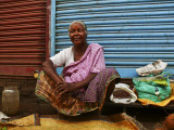 Woman at market Trivandrum.jpg