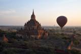 Balloon floating past Sulamani Temple, Bagan