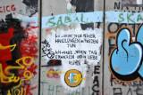 West Bank Wall graffiti - Ich werde jede meiner Handlunger in Frieden Tun. Ich werde jeden Tag erwachen und in Liebe ruhn