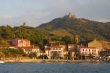 Port d'Avall, Collioure, avec le moulin et Fort St-Elme