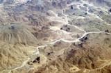 Wadi in the Hoggar Mountains (Tamanrasset Massif) Algeria (22 11 32N/006 00 01E)