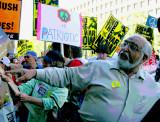 Pakistani opposed to the Iraq War
