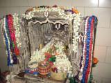 10-Aathu perumal is happy hearing thiruvaimozhi sattrumurai -Ulagamunda Peruvaaya.jpg