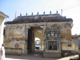 dhevadhirajan temple entrance