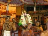 pEyAzhwAr awaiting Parthasarathi at mylApore.jpg