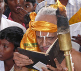 Bhattar swamy reading the pattOlai - on Behalf of Perumal and thayar.JPG