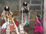 Swami desikan and Koti kannika Thathachariar.JPG