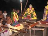 Sri Ramanujan and kURathAzvAn.jpg