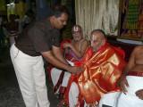 15-Sri Jeyaraman honouring Dr VVR swamy.JPG