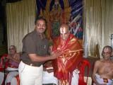 16-Sri Jeyaraman honouring Dr MAV swamy.JPG