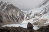 Perched rock and Lho La Pass