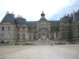 Right facade of chateau under repair