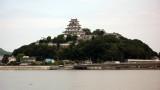 Karatsu-jō across the Matsuura-gawa