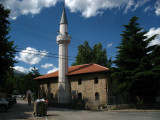 Old mosque along Nena Terezë