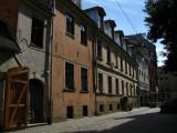 Cracked Old Town facades along Aldaru iela